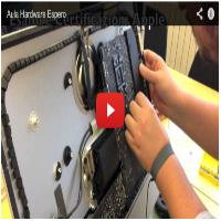Laboratorio Apple in Espero: tecnici hardware in azione