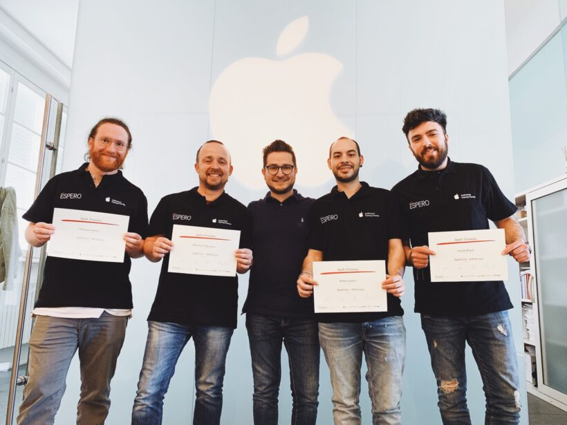 tecnici certificati apple che hanno frequentato in espero i corsi ufficiali applecare
